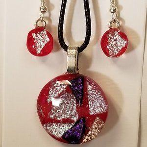 Jewelry Dangle earrings and pendant set